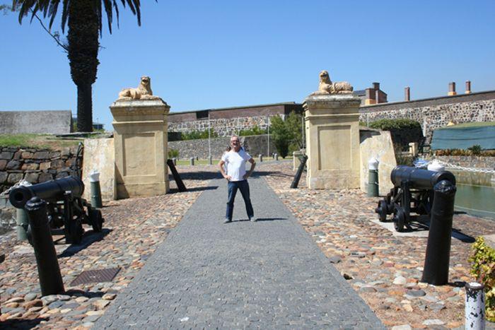 ENTRANCE TO THE CASTLE IN CAPE TOWN - DRAMATIC CLOSING SCENE IN KILL MANDELA
