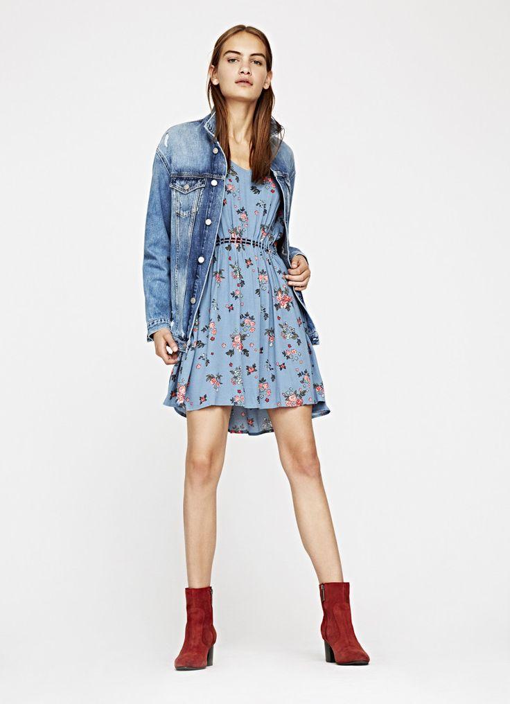 https://www.pepejeans.com/es_es/mujer/nueva-coleccion/new-in/vestido-fruncido-idania-PL9520110AA-10?color=2438