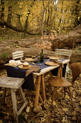So sweet, be great for a date: Forests, Fall Leaves, Favorite Places, Fall Dinners, Fall Tables, Outdoor Tables, Autumn Colors, Wooden Furniture, Fall Picnics
