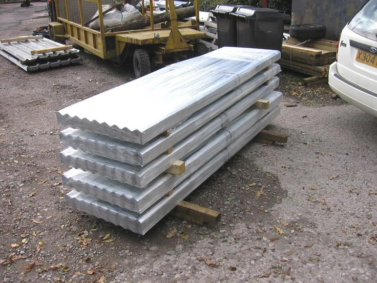 50 no  10ft CORRUGATED GALVANISED STEEL ROOF SHEET 26ins WIDE VERY GOOD QUALITY