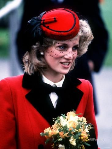 Princess Diana at the Royal School For the Blind at Leatherhead December 1984 Photographic Print at AllPosters.com