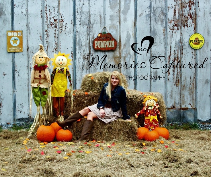 Fall photography...perfect set up for a family photo!  Get that tri-pod!