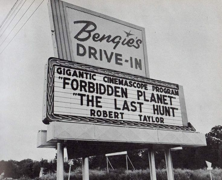 .    trixietreats:  Bengies Drive-In Theatre ~ Baltimore 1956 (via michigandriveins)