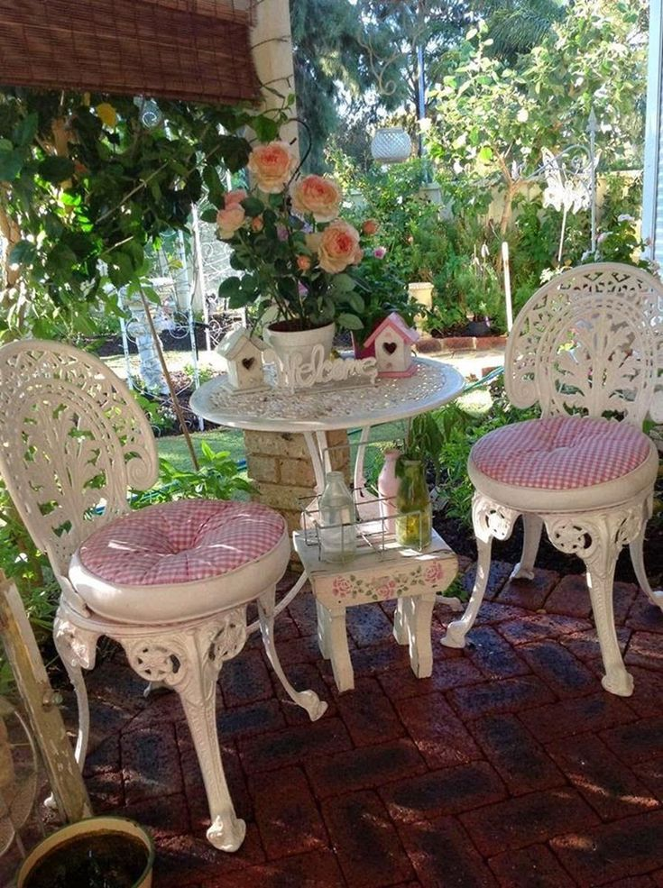 Shabby Chic Porch Decorating Ideas 20