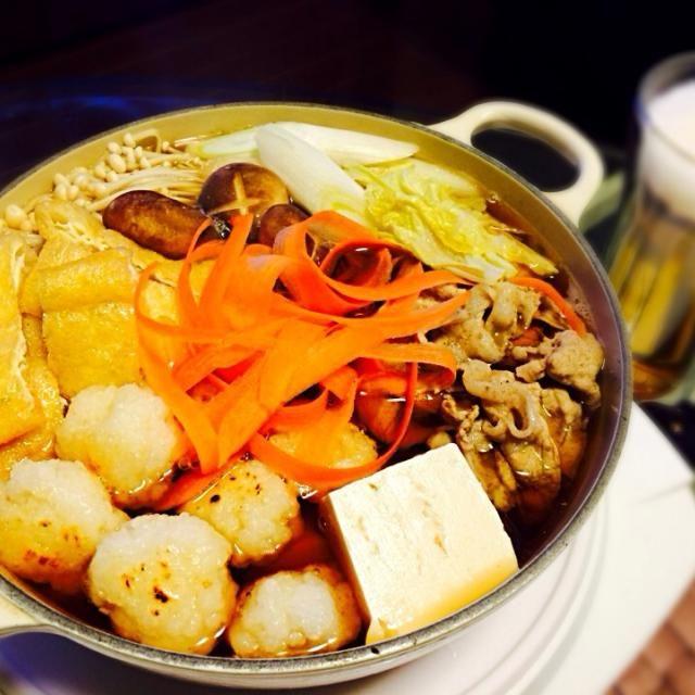 秋田の郷土料理、だまこもち入れてお鍋。 息子にご飯潰すのをお手伝いしてもらって。 昆布とアゴで出汁をとり、醤油・みりん・酒・塩でスープを作りました〜 寒いので、温まりました! - 22件のもぐもぐ - だまこもち鍋 by smilek