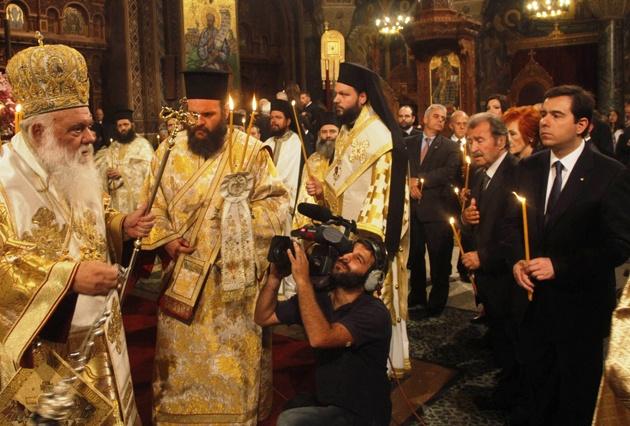 Ο Υφυπουργός Ανάπτυξης, κ. Νότης Μηταράκης παρέστη στην Ακολουθία του Επιταφίου Θρήνου στον Άγιο Διονύσιο, εκπροσωπώντας την Κυβέρνηση.