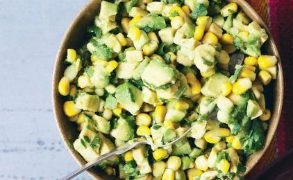 Σαλάτα με αβοκάντο και καλαμπόκι