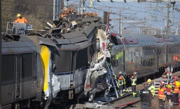 Τραγωδία στο Λουξεμβούργο από σύγκρουση τρένων: Επιβατικό τρένο συγκρούστηκε μετωπικά με εμπορική αμαξοστοιχία μεταξύ της πόλης…