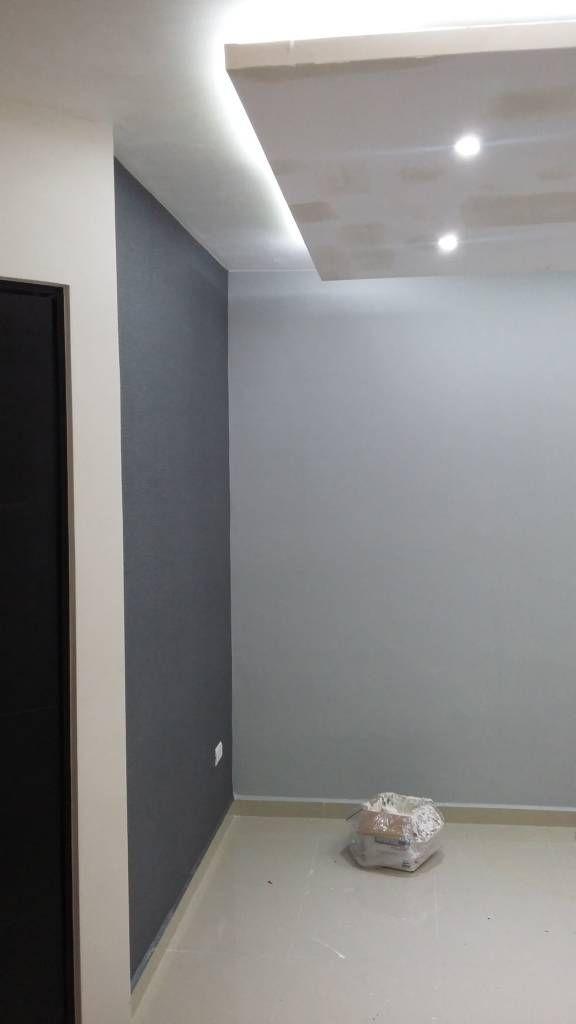Busca imágenes de Salas de estilo minimalista en gris: Papel Tapiz. Encuentra las mejores fotos para inspirarte y crea tu hogar perfecto.
