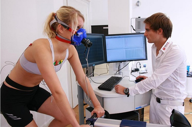 Movement analysis together with gas exchange measurement with Quark CPET by German Performance Center by cosmednews, via Flickr