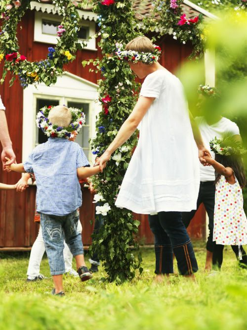 A Midsummer party would not be complete without music and dancing! Young and old alike join in, dancing and singing around the traditional maypole with great enthusiasm.