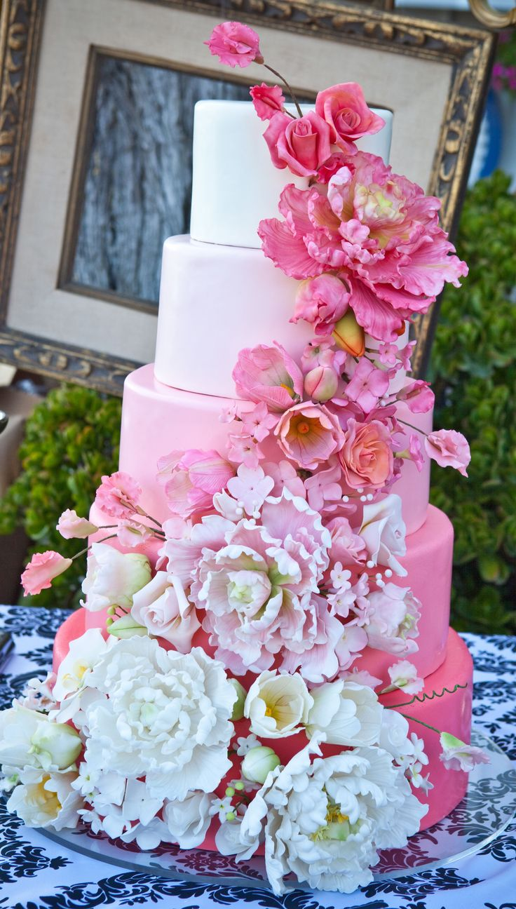 Beautiful cake from Gianna's private estate wedding - more at http://www.whitesatinweddingshow.com/gianna-provenzano---real-wedding.html