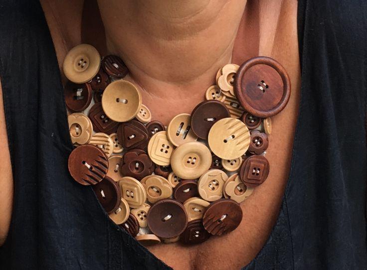 Collana di bottoni