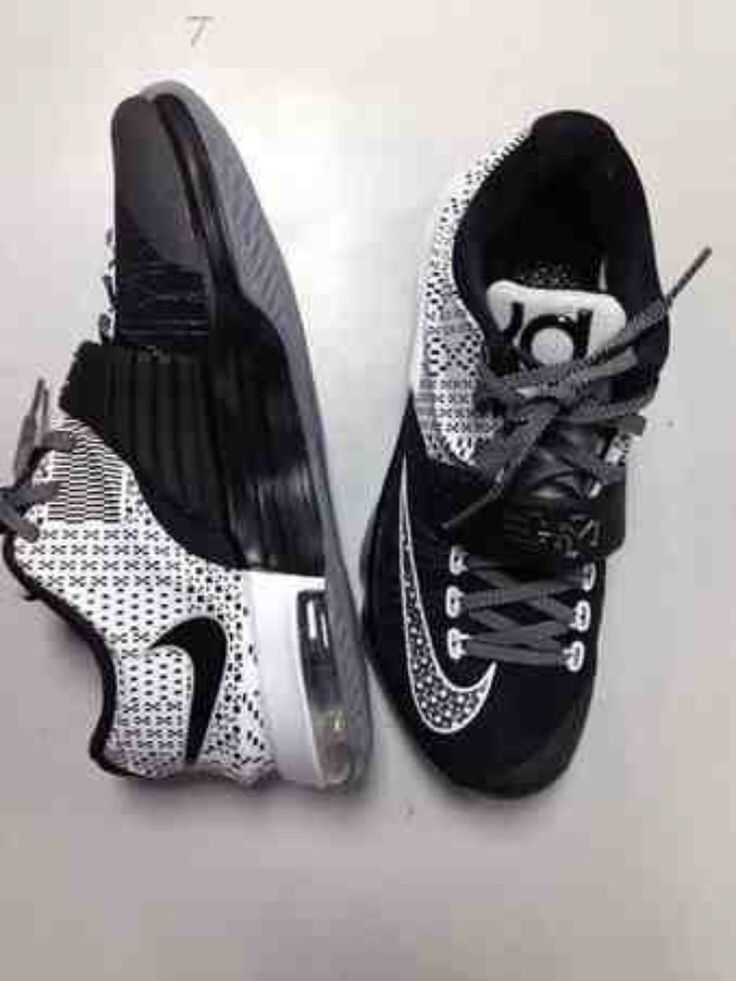 Black/White KD's