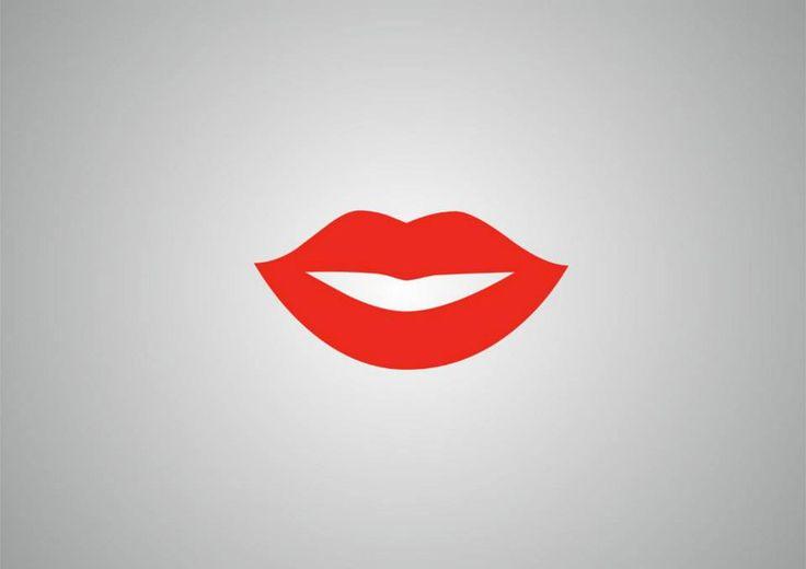 """PER LE LABBRA SOTTILI: un correttore permette a chi ha le labbra sottili di """"cancellare"""" il proprio contorno e… dopo averle incipriate, sarà possibile ridisegnare con una matita labbra un contorno più grande tenendosi circa 1 mm sopra la linea naturale. Se non si esagera, ma si sta appena sopra al disegno naturale, il risultato sarà naturale e gradevole. - See more at: http://www.cristianlayitalia.it/rendere-labbra-meno-sottili-applicare-matita-occhi/#sthash.uvLUbcIN.dpuf"""