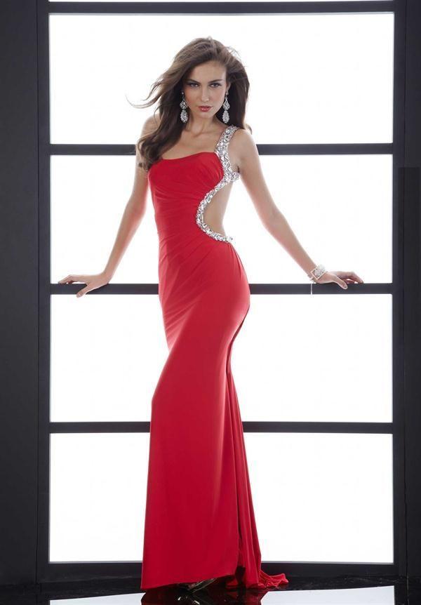 Modelos de vestidos de noche en color rojo