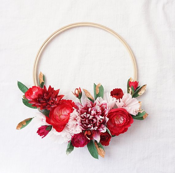 Paper flower holiday wreaths by Hayley Sheldon | Read more - http://www.100layercake.com/blog/?p=82411