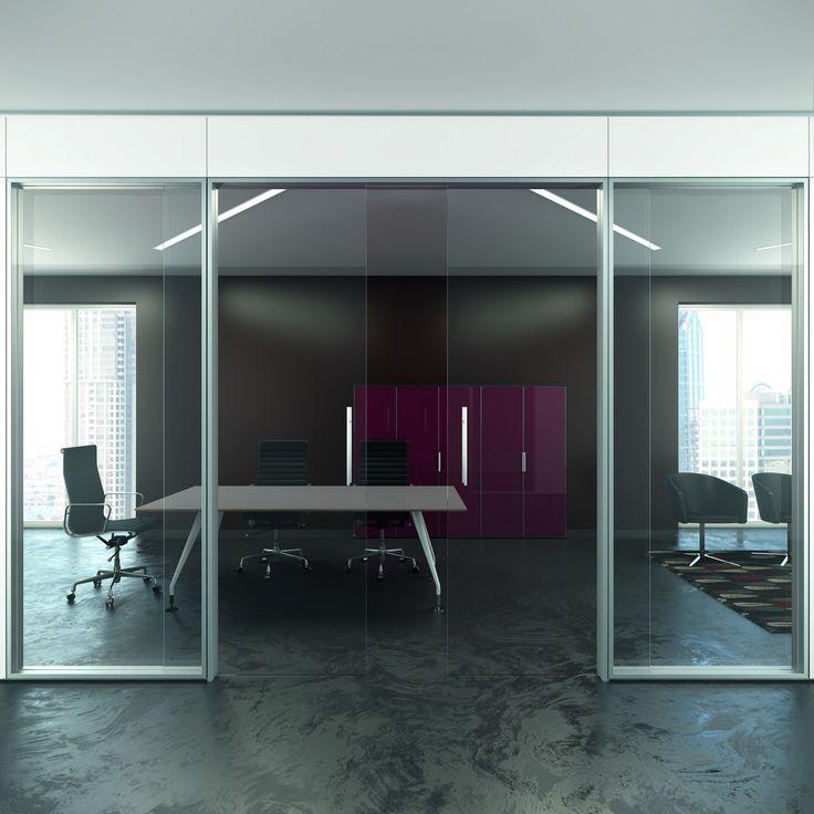 Modulare e robusta, flessibile e configurabile, ideale per ambienti riservati, per ambienti da dividere ma non da chiudere, separa gli spazi con stile e design.