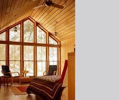 Znalezione obrazy dla zapytania dom drewniany z przeszkleniami