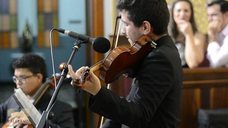 #violino #cello #cordas #aovivo #orquestra #coral #casamento #universodasnoivas #delicado #sublime #chic #estounoiva #loveit #musicosparacasamento #musicosparaeventos #assessoria #musical #noivas2017 #tksgod