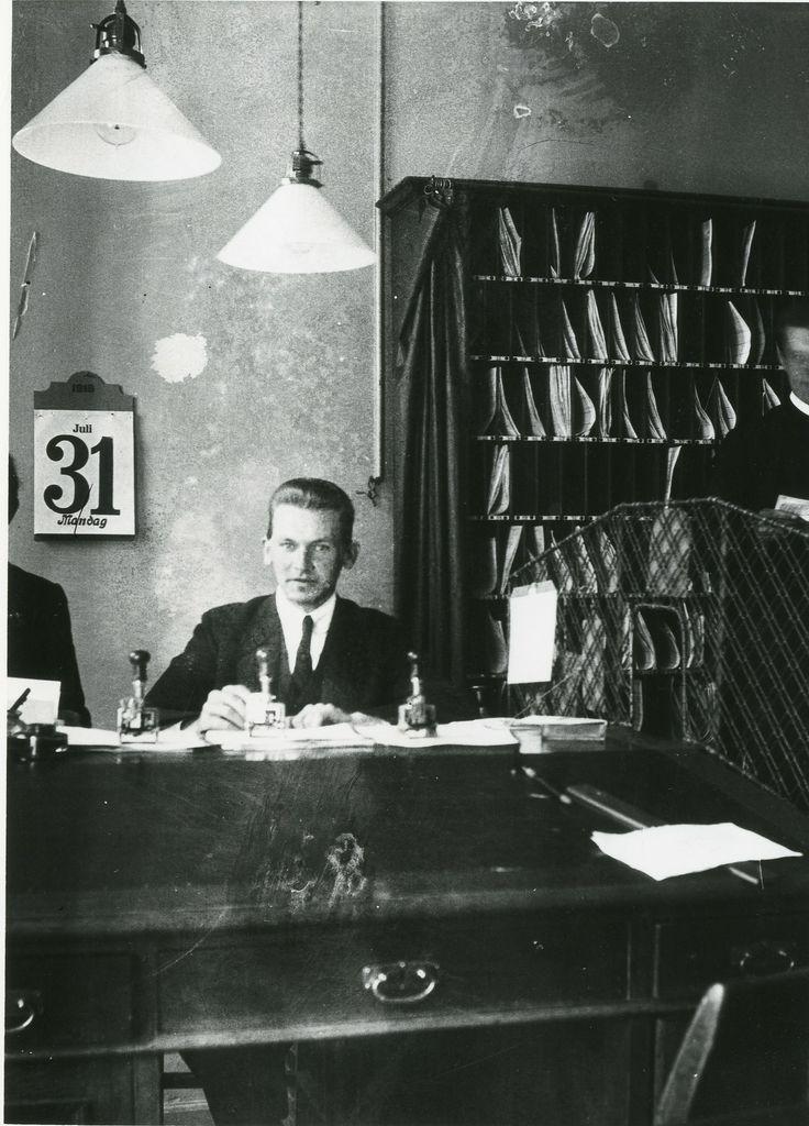 Søren Berthelsen på Toldkontrolkontoret København den 31. juli 1916. Han blev ansat i København den 1. juli 1916.