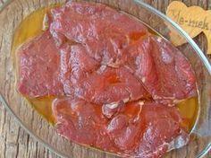 Lokum gibi yumuşak, ağızda dağılan et pişirmenin yolu etleri terbiye etmeyi bilmekten geçer. Terbiye işlemi evde olan malzemeler ile yapması oldukça kolay bir işlemdir. Sadece nelere dikkat edeceğinizi ve nasıl yapacağınızı bilmeniz daha lezzetli ve yumuşak etler pişirmek için yeterlidir.