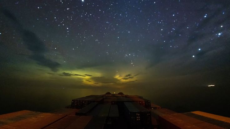 Timelapse shows 30 day journey of container ship and it's incredible 