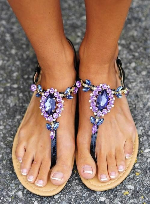These gorgeous jewelled sandals will take any summer outfit from beach to | http://newshoestrends.blogspot.com