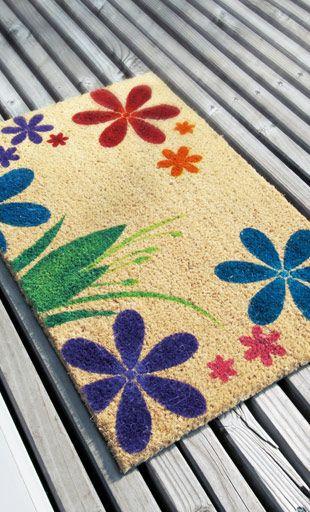 Marabu_Fussmatte_Idee_Marabu Textil_Fix it_Blumen_Schablone