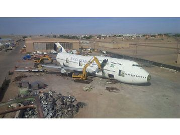 From a 747 to Scrap in Just 4 Days Using CAT Excavators