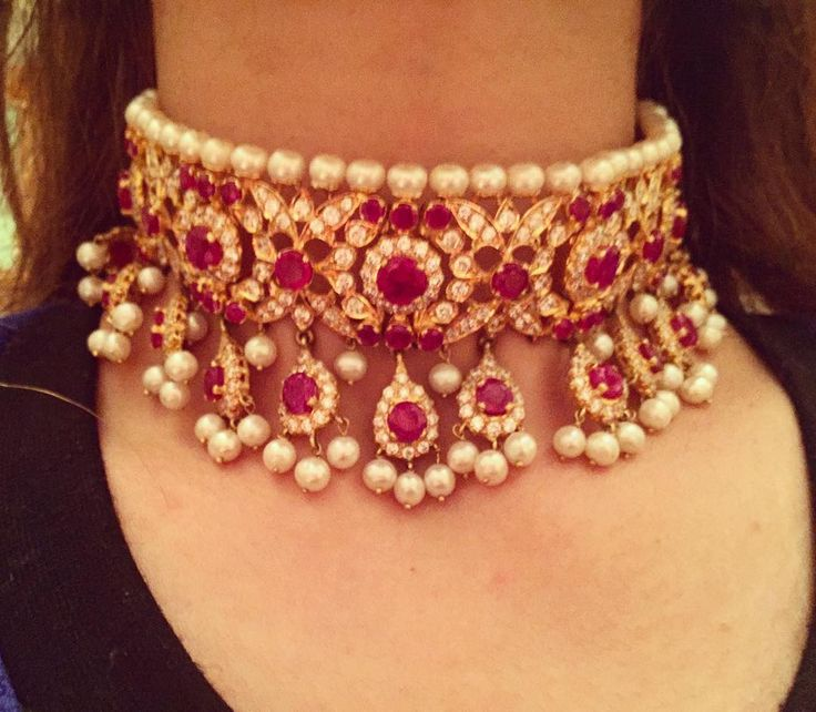 """Ruby Pearl choker set in 22 carat gold"