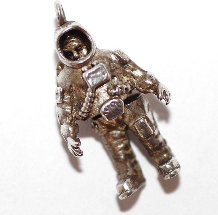 vintage astronaut charm - photo #23