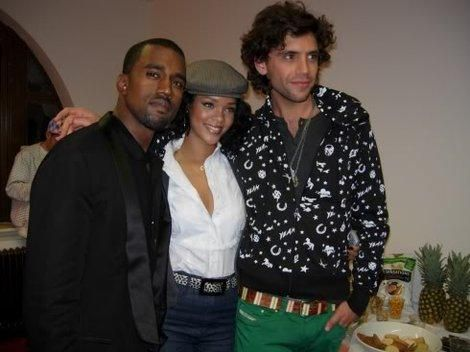 Old and rare pic from Mika with Rihanna and Kanye West !