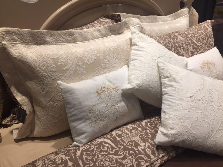 Evimizin vazgeçilmez parçası özenle seçtiğimiz yatak örtüleri ve nevresim takımları için tante roza'ya bekliyoruz. #tanteroza #evdekorasyonu #nevresimtakımı #nevresim #yatakörtüsü #çeyiz