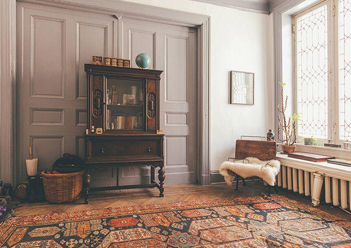 this painter s baltimore home embodies vintage ease design sponge emporium kuriosum. Black Bedroom Furniture Sets. Home Design Ideas