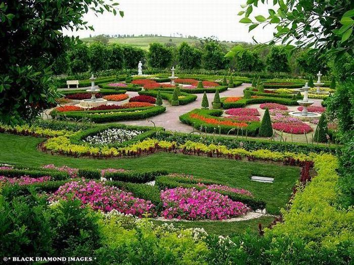 Este encantador jardim em Polokin, Nova Gales do Sul, foi inaugurado há apenas 10 anos pelos magnatas do ramo imobiliário Bill e Imelda Roche. Austrália