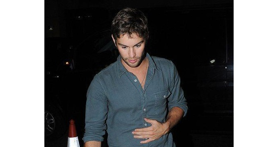 Even dressed casually, Chace Crawford looks utterly gorgeous partying in London Town!