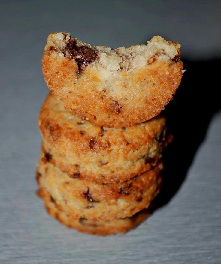 Nagyon finom omlós, egyszerűen elkészíthető Hozzáadott Cukormentes Csokis Zabfalatok recept (Vegán)  Ropogós csokis zabkeksz recept   Hozzávalók:   50 g Zabpehelyliszt(zabpehelyliszt ITT!)-> GLTUÉNMENTES ZABLISZT ITT! 50 g kesudió (kesudió ITT!, forró vízben áztatva kb. 15 percig,