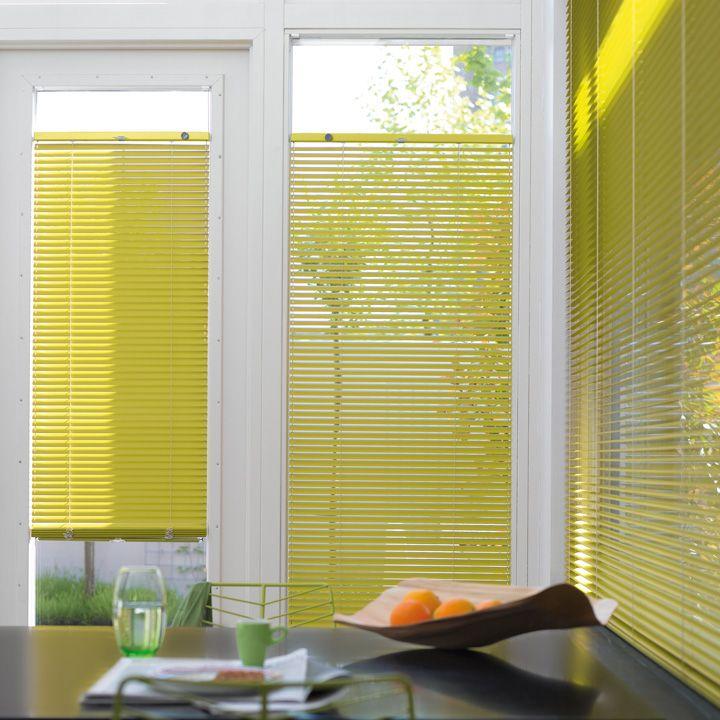 Disponible en @latorredecora y http://latorredecoracion.com/ Get inspired by Luxflex window decoration. Cortinas Venecianas - 25 mm
