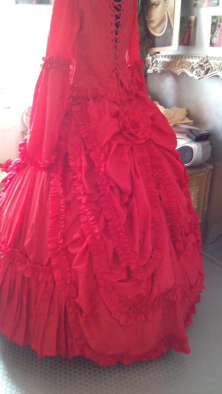 red mina dress zelf gemaakt