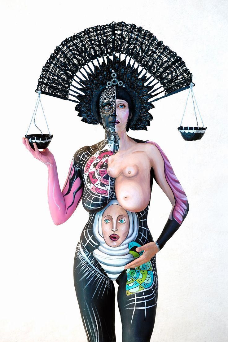MISS LIFE - BODYPAINTING Gilberta Gibi Bodypainting - Modella Sabrina Tormena - Assistente Emilia Bianchin - Foto Mario Spinazzè.