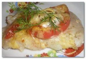 Минтай недорогая, но в то же время очень вкусная и сочная рыба.