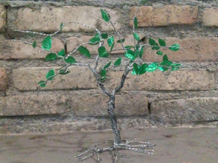 Iron Tree  Δέντρο φτιαγμένο από σύρμα