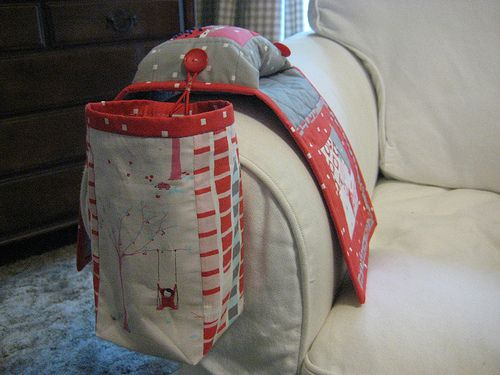 Little Pips sewing caddy with thread holder and clips catcher