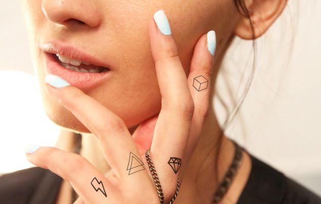 Tattoos - Set geométrico - Tatuaje temporal para los dedos (diamante, triángulos, rayos) - hecho a mano en DaWanda.es