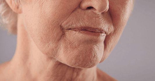 Factores como la exposición continuada al sol, la contaminación del aire así como la propia edad favorecen el envejecimiento de la piel ....