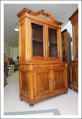 Libreria vetrina noce Piemontese L.Filippo 1860.restaurata Credenza doppio corpo vetrina. Antica AN