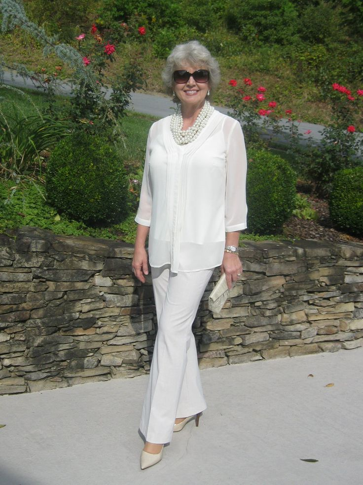 Fashion Blogger for women over 50... Now 60 in 2016, and looking fab.