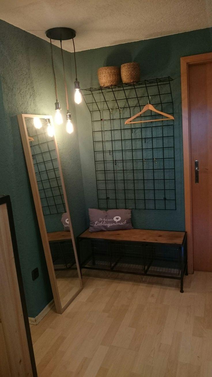 Flur #Garderobe Retro  Alte Gitterwand