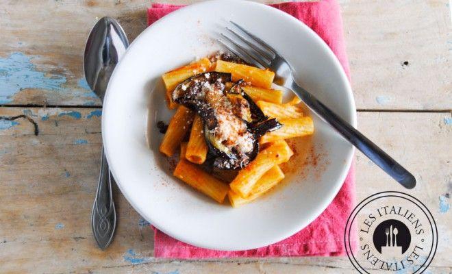 Pasta alla Norma (pasta melanzane siciliana, pomodoro e ricotta) - Gli italiani - Mag